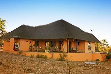 Yingwe Luxury bushlodge @ Krugerpark + hottub