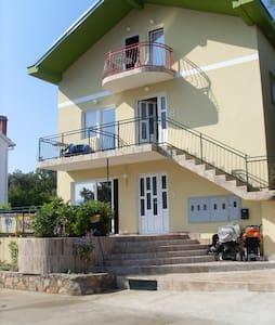 Домашние апартаменты в Радовичах - Tivat - Serviceret lejlighed