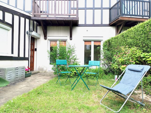 Appartement agréable avec jardin proche de la mer