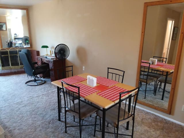 please use the spacious dining area when you eat. This is a common area, shared with (possibly) 2 other guests. let us know if you need additional napkins or spices
