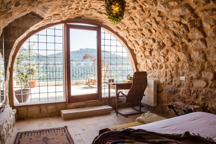 Vaulted Room - BEYt el Jabal