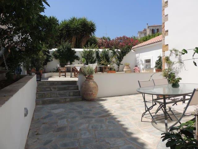 Spetses Mansion - Agii Apostoli
