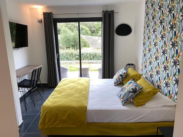 Chambre cosy à Bonifacio piscine chauffée