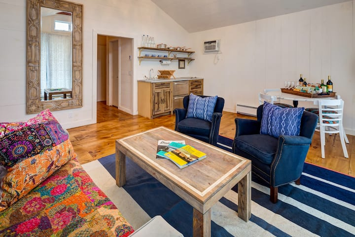 Montauk Two Bedroom David Pharaoh Cottage -Nightly