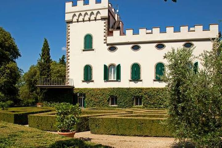 Vacation in the Castle in Tuscany