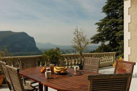 Chambre panoramique proche de Grenoble ! - Voreppe - Rumah