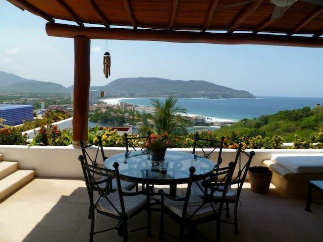Hermosa Villa con espectacular vista al mar. - Ixtapa - Kondominium