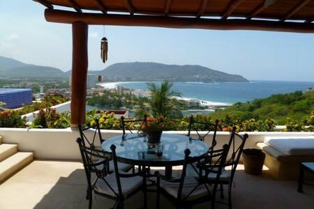 Hermosa Villa con espectacular vista al mar. - Ixtapa
