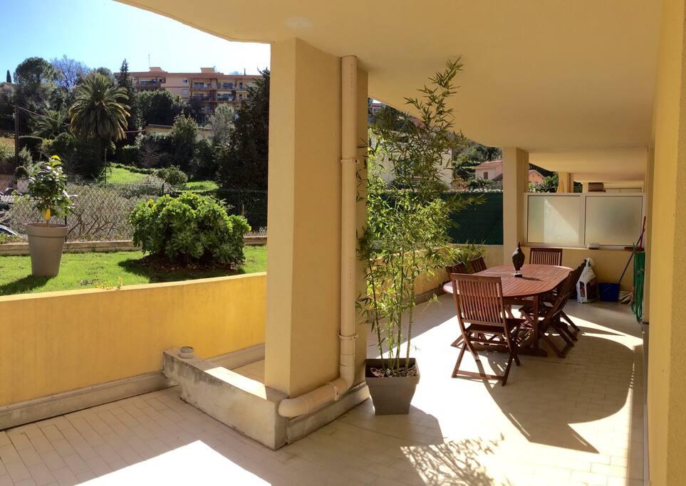 Terrasse couverte jardin