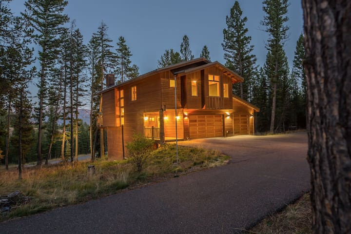 Contemporary Cabin in Central Big Sky! - Big Sky - Huis