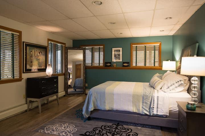 Beautiful, scenic, private apartment in Roxbury NY