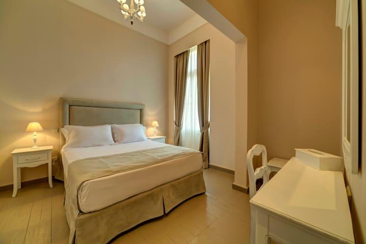 Iakovidis, Neoclassical suite under Acropolis - Athina - Apartament