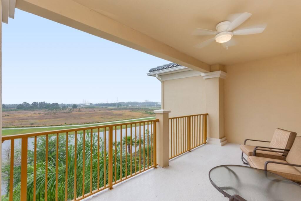 Furniture,Fence,Indoors,Room,Railing