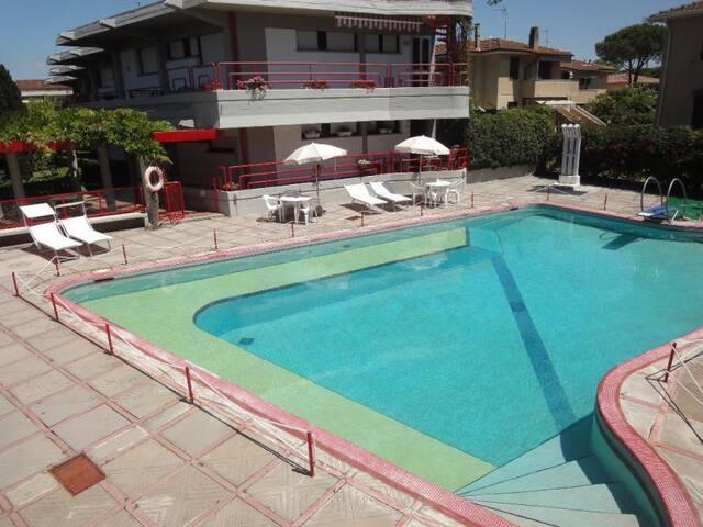 """""""Elsa"""" appartamento in residence con piscina"""