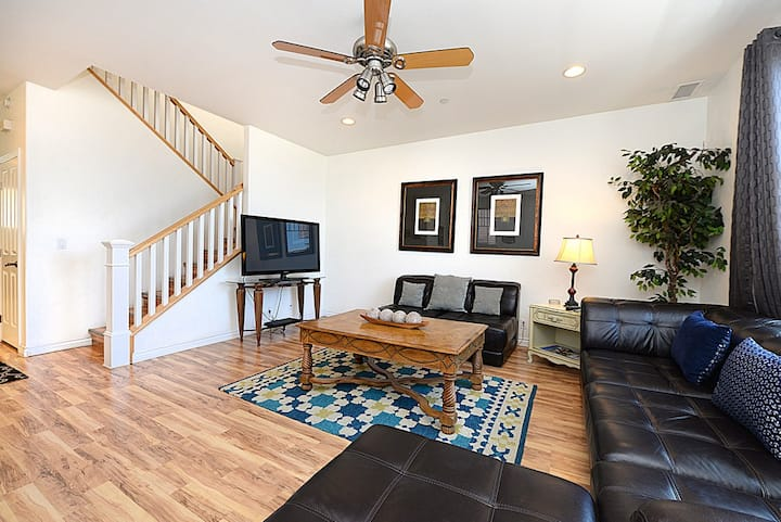 **VIEWS** Modern Town Home + Dual Master Suites