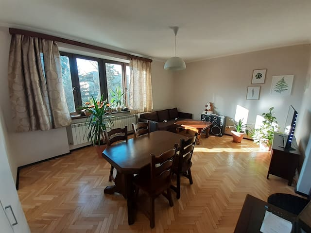 Apartment near the Old Town + Free Parking Spot