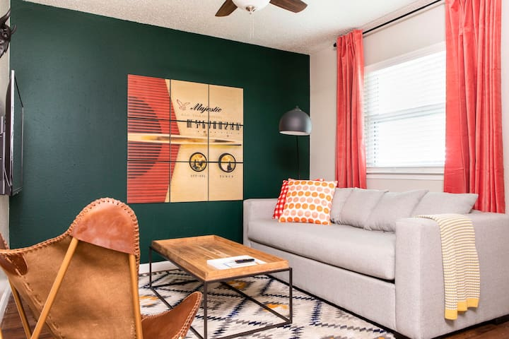 Stylish 2BR in East Austin #136 by WanderJaunt