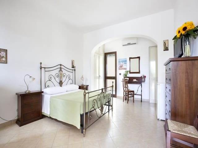 Lilac Holiday Homes - Basic Quadruple Room | Salento - Italy - Torre Chianca - Apartment