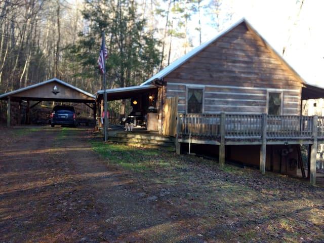 Natl Forest Solitude Quaint Log Cabin Pet Friendly