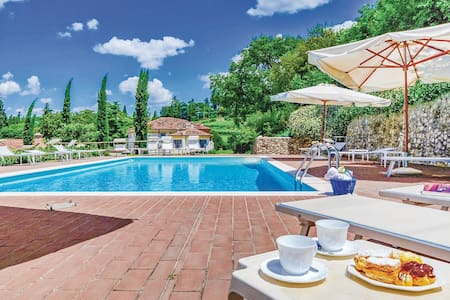 Holiday apartment with 1 bedroom on 40m² in Colognola ai Colli