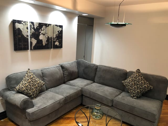 LARGE 1 BEDROOM APT. IN MIDTOWN NEAR SUBWAY/BUS