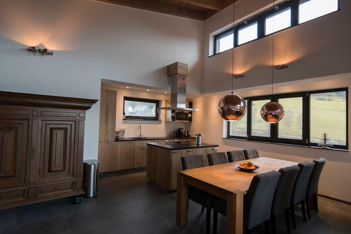 Keuken met kook eiland