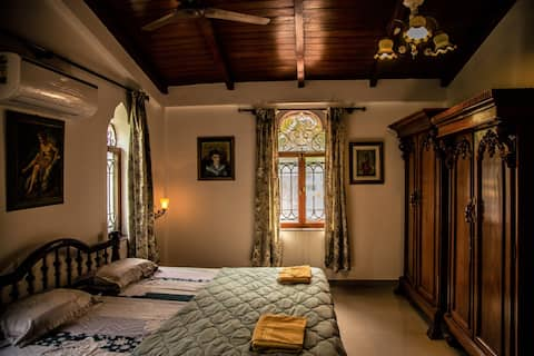 3BHK AUTHENTIC VILLA W BFAST AND GREAT LOCATION