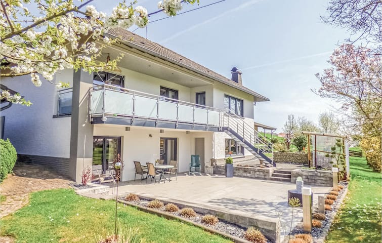 Amazing home in Körperich/Obersgegen with WiFi and 1 Bedrooms
