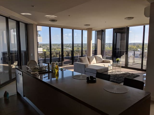 Luxurious Upscale Apt in Olympic park amazing view