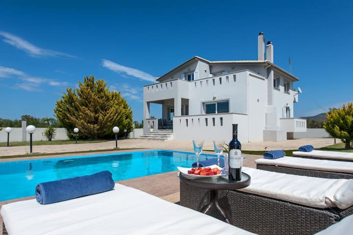 Muthee Luxurious Private Villa