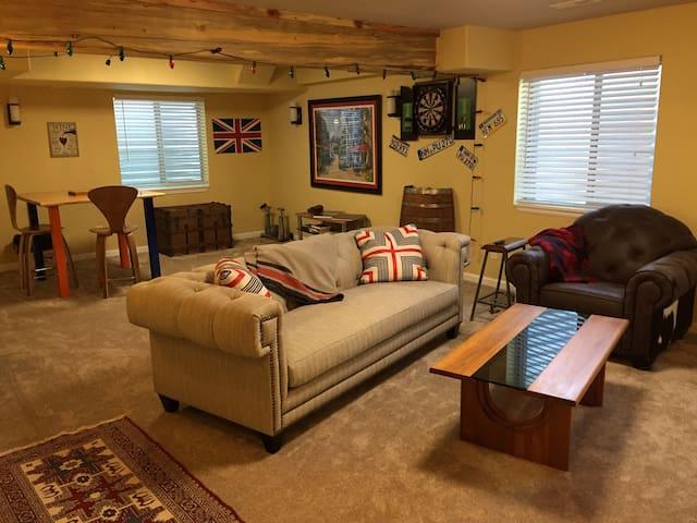 Modern Spacious Parker Suite