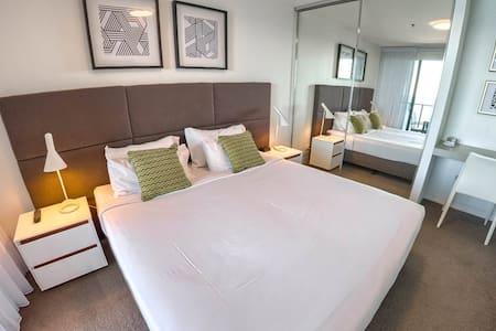 Rhapsody Resort One Bedroom Ocean View Apartment - Master Bedroom