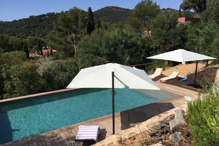 (83) villa 8 personnes, piscine, superbe vue mer - ボルム・レ・ミモザ