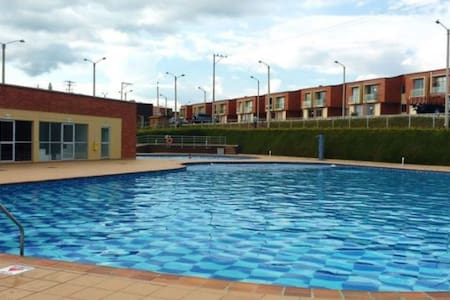 Casa campestre con piscina/ por mes