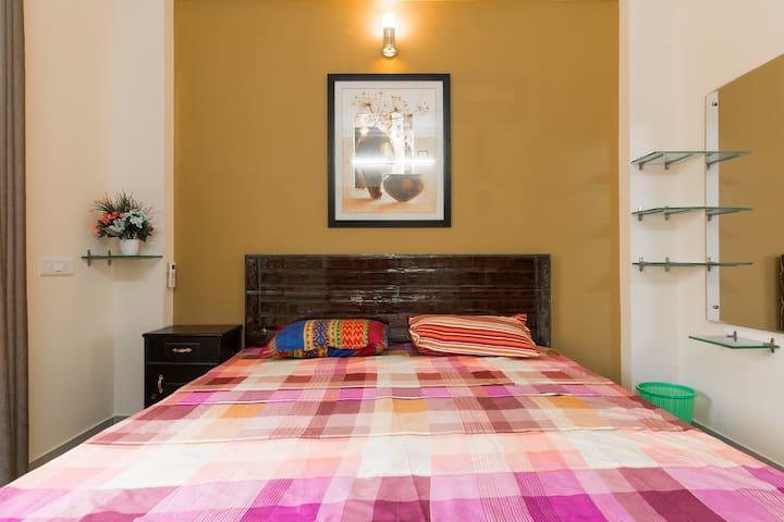 Cosy room in a luxury duplex villa. - Hyderabad - Villa