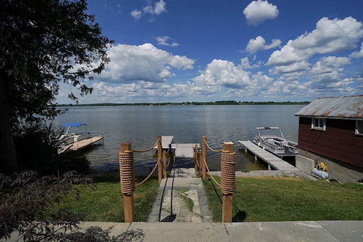 New Modern Lakehouse, Waterfront@Janetville