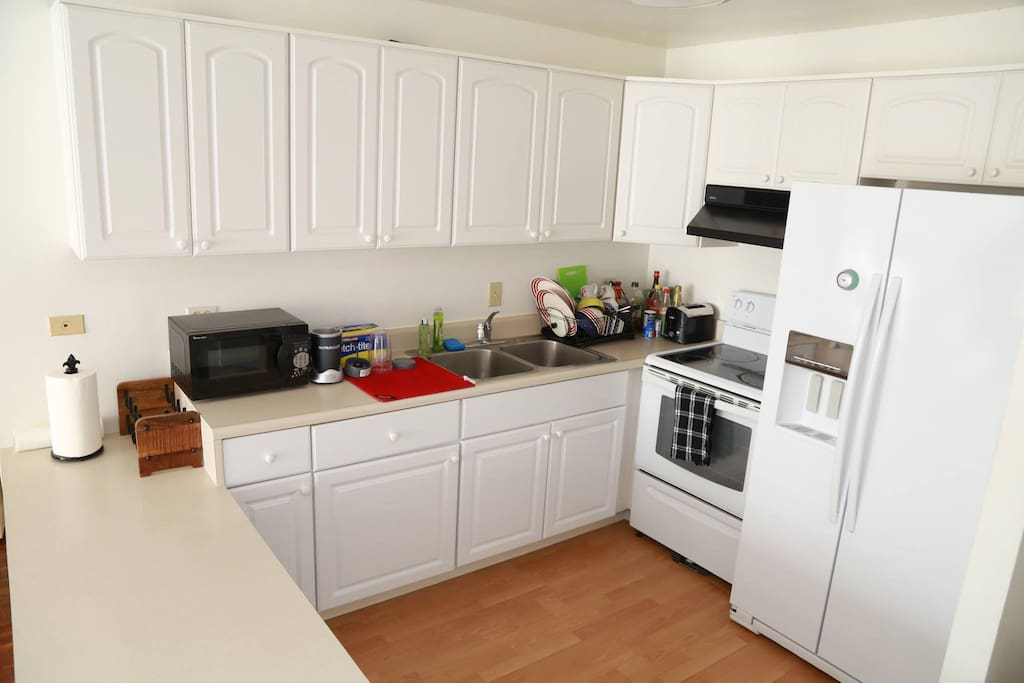 Fairway villa waikiki one bedroom apartment apartments for Fairway house cleaning