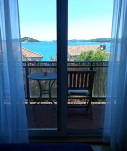 Cheerful apartment for 3 person - Tisno