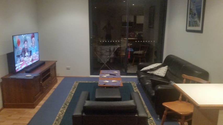 1 private room - Dee Why beach (ladies only)