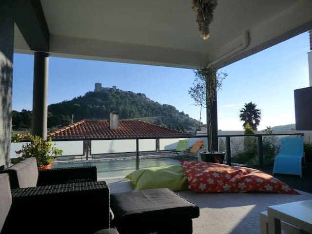 Vivenda junto Castelo de Sesimbra-Piscina Privada - Corredoura - Casa