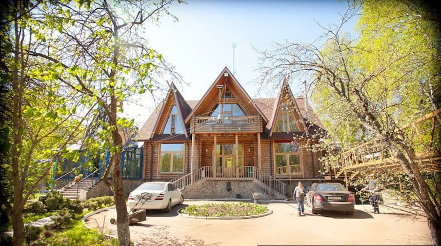 Красивый и комфортабельный деревянный дом