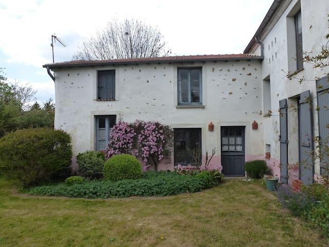 La Petite Maison rose - Guérard - Inap sarapan