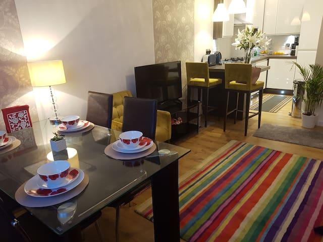 Modern And Stylish Apartment - Glasgow.