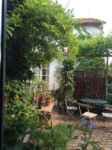SEELIG`s Ferienwohnung in Weinsheim - Weinsheim - Departamento
