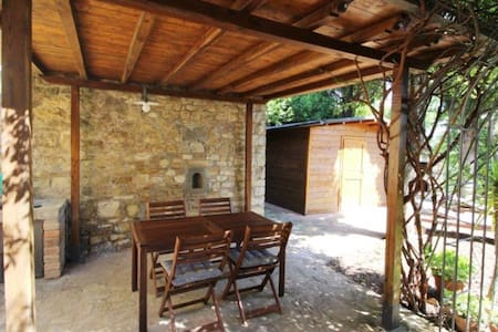 """two bedrooms and terrace """"sweet Charlotte"""" - Panzano In Chianti - 一軒家"""