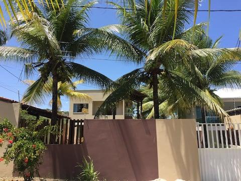 Casa de Praia em condomínio fechado -40mt da praia