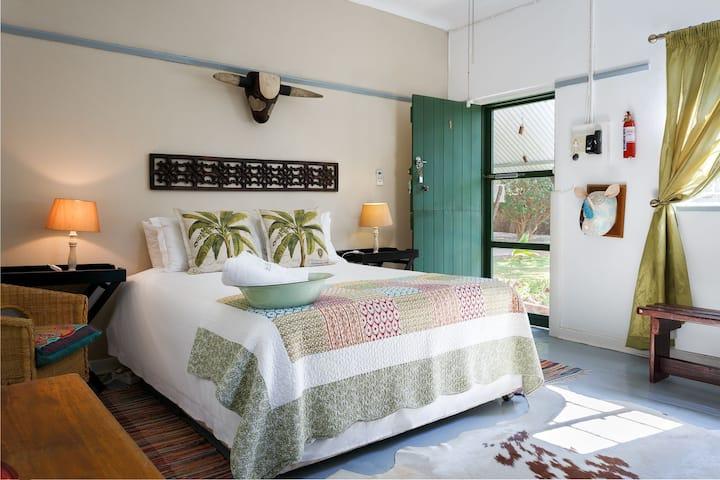 Room 1 @ Karoo Pandok