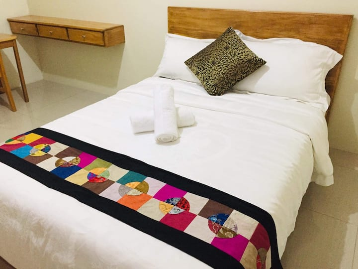 Becca's Bedsit6@Horizons101Condo