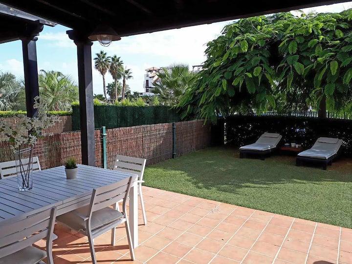 VenAVera D40C - Bajo Jardín 2Dorm/1Baño A Pie de Playa WIFI