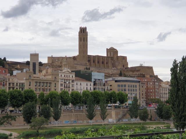 Apartameno Lleida ciudad  inmejorable ubicacion
